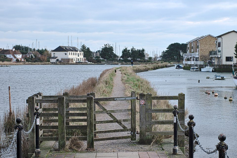 FUJIFILM X-E2 35.0 mm f8.0 1/110s Pathway through the Slipper Mill Pond in Emsworth